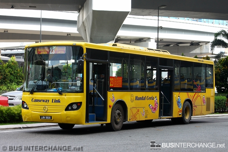 A Mercedes-Benz CBC1725 (JJN5630) operating on Causeway Link bus service 23