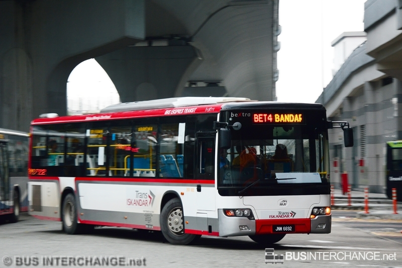 A Higer KLQ6128G (JNW6692) operating on Maju bus service BET4