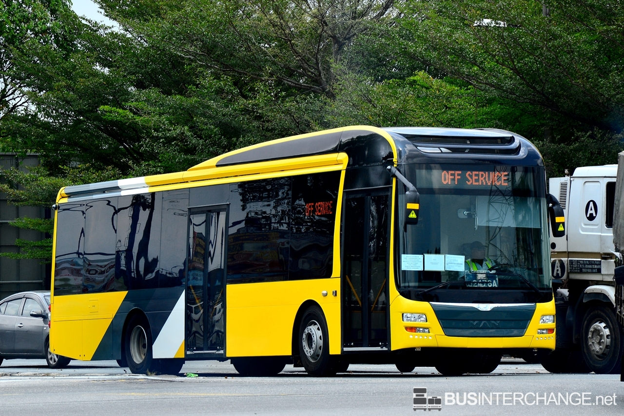 Unregistered MAN RC2 LE 19.290 (Euro V) for Froehlich Tours On Delivery (Door Side)