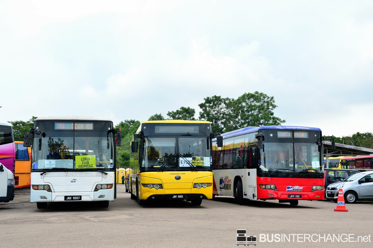 File Photo: Maju and Causeway Link buses at Kota Iskandar.